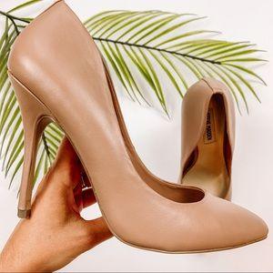 Steve Madden Galleryy Nude Pointed Toe Heel Size 9